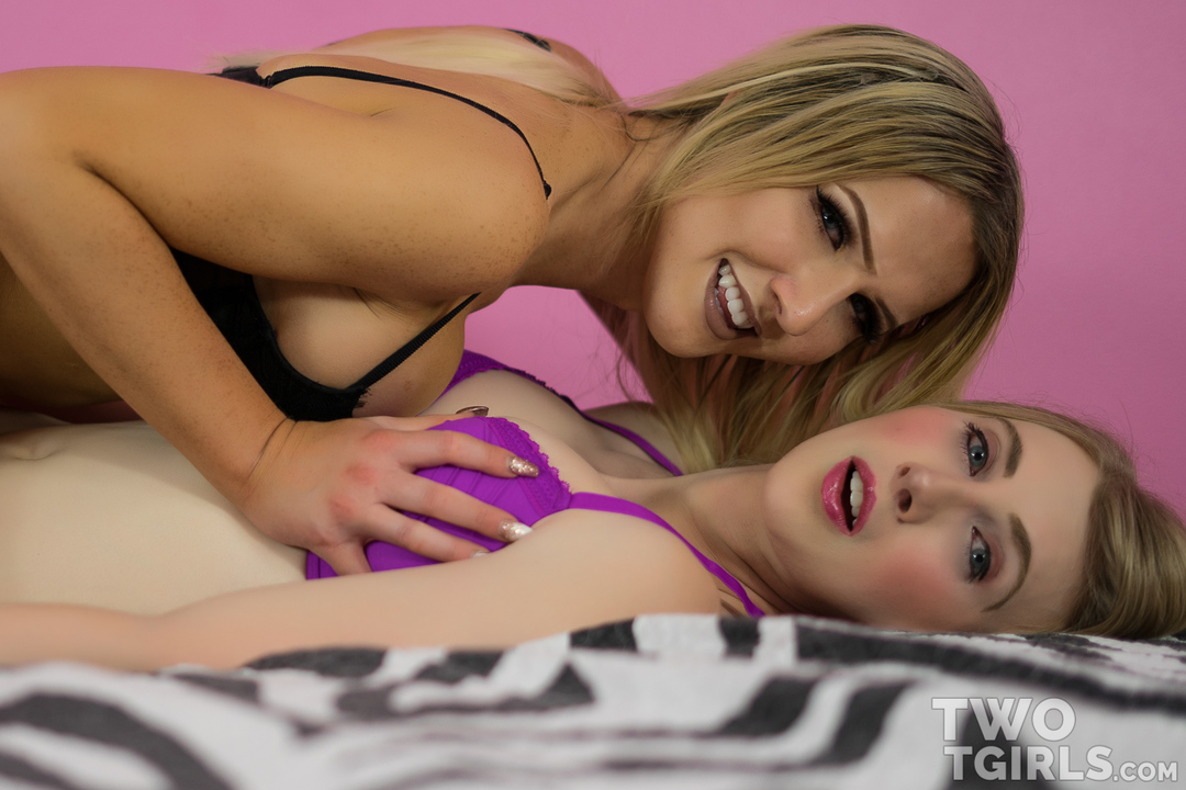 Janelle Fennec and Kayleigh Coxx