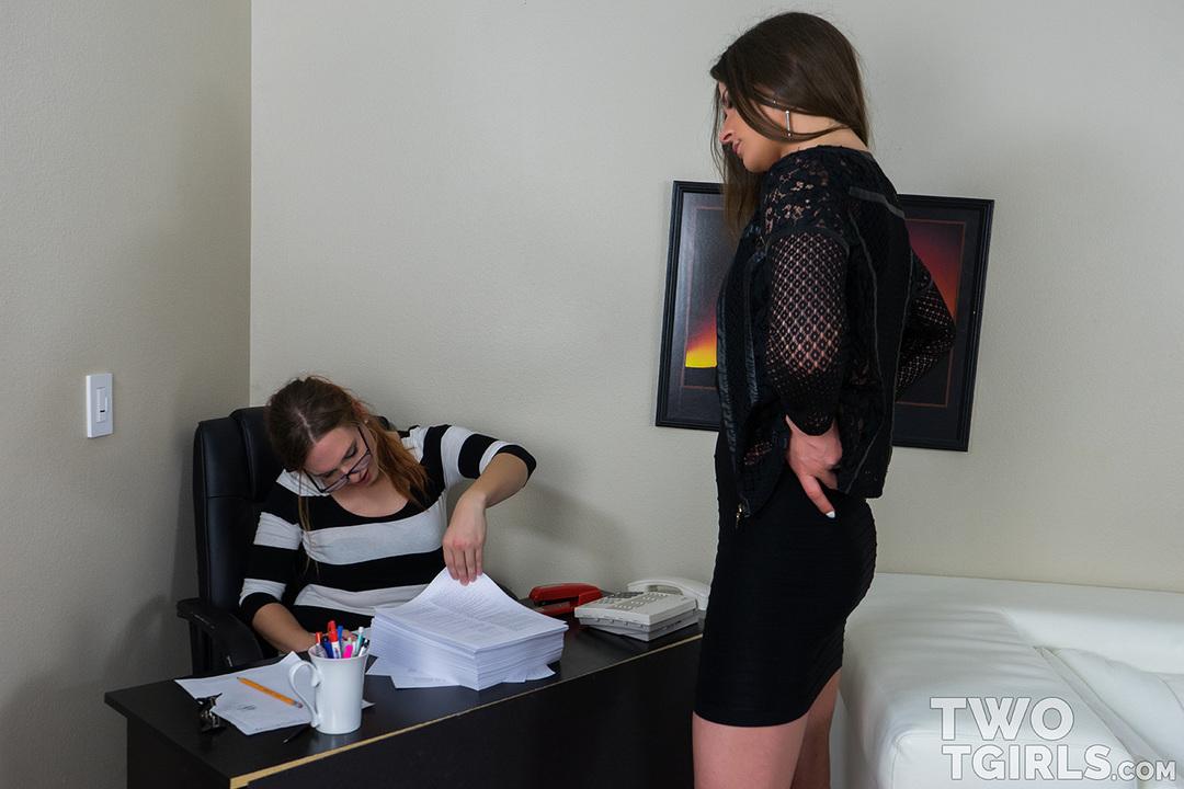 Michelle Firestone and Candi McBride video