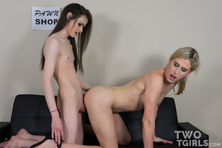 TS Nikki Vicious and Kira Crash video