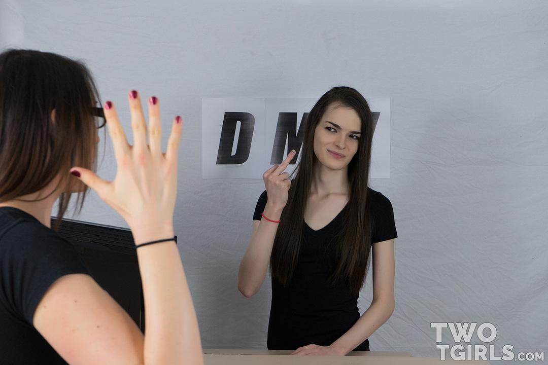 TS Kira Crash and Mackenzie Rae video