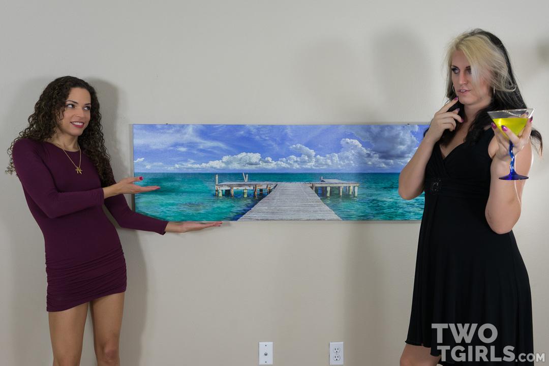Sydney Farron and Chloe Wilcox