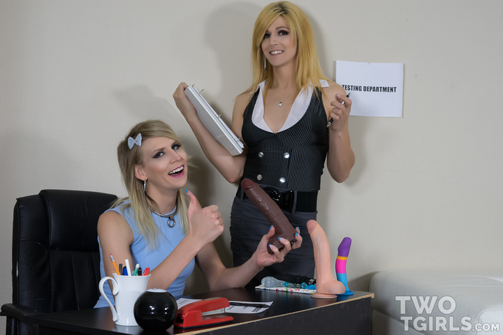 TS River Enza and Bailey Love video